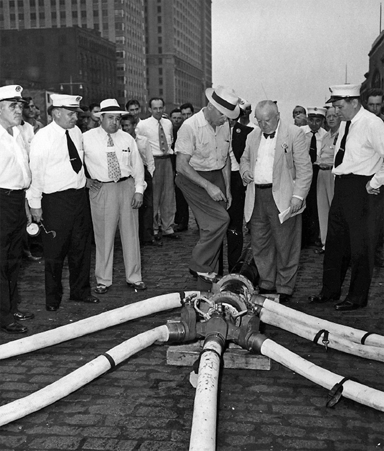 The 1951 New York City civil defense test showcased the firefighting and fire protection capabilities of Victaulic products, helping Victaulic enter the market in 1952.