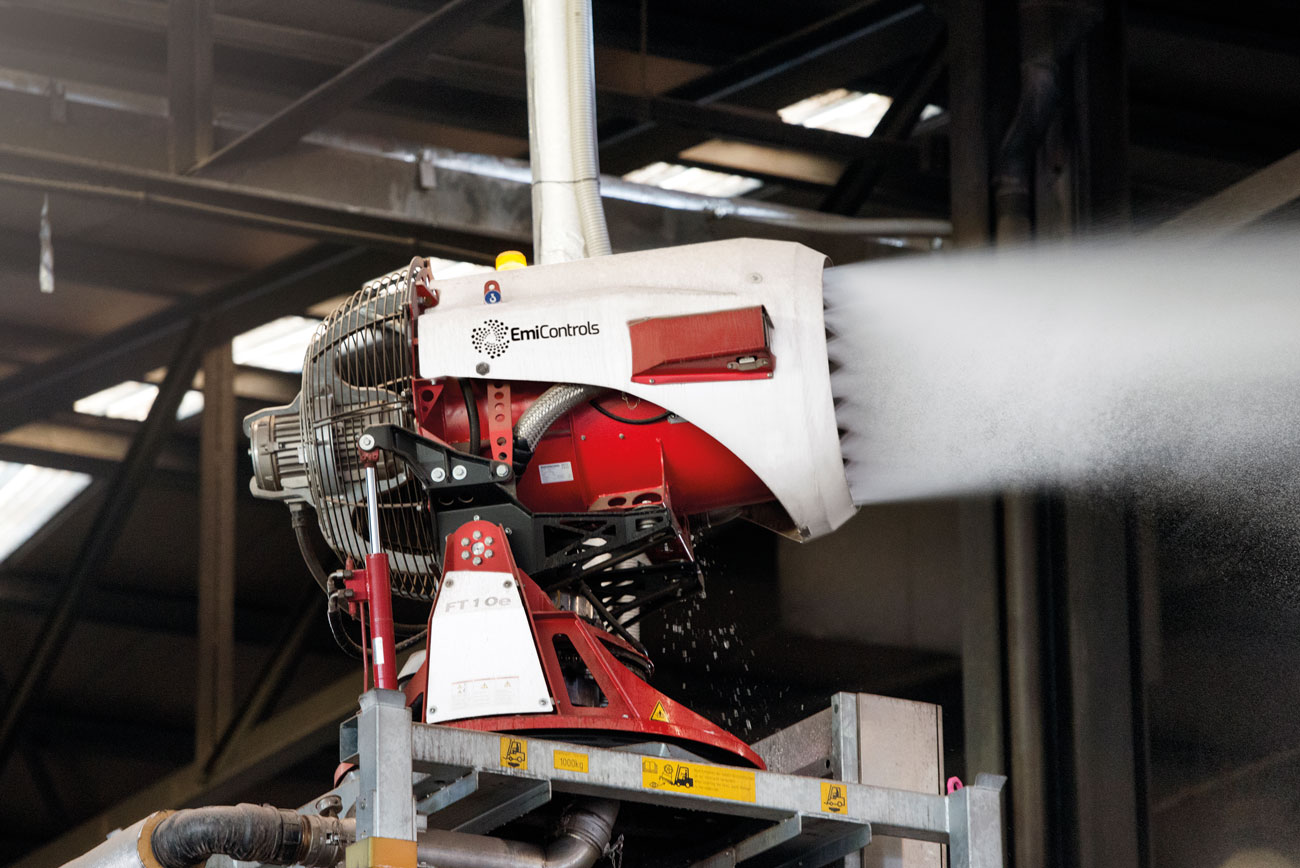 As soon as the fire alarm system is triggered, the FT10e fire-fighting turbine automatically swings to the appropriate area and starts the extinguishing work.