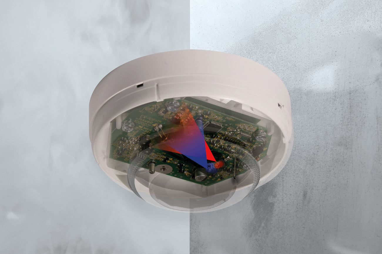 The Nittan EV-DPH Multi-Sensor features dual optical (IR and blue LED) alarm technology plus a heat sensor. It can distinguish between smoke and non-combustion products, where most typical Multi-Sensors struggle.